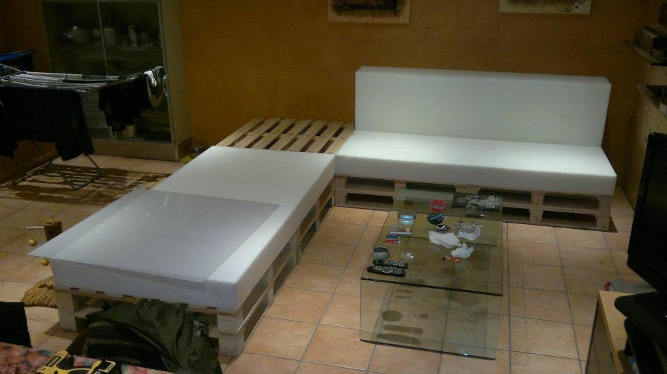 il divano nuovo costruiscilo con i bancali seminterra