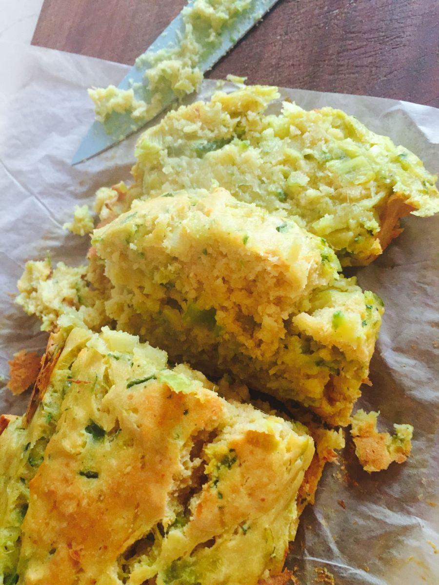 Plumcake salato con farina di ceci e zucchine